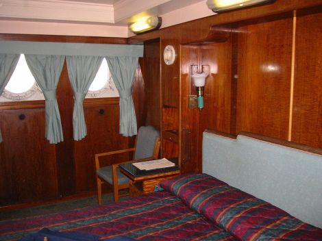 1280px-queen_mary_cabin